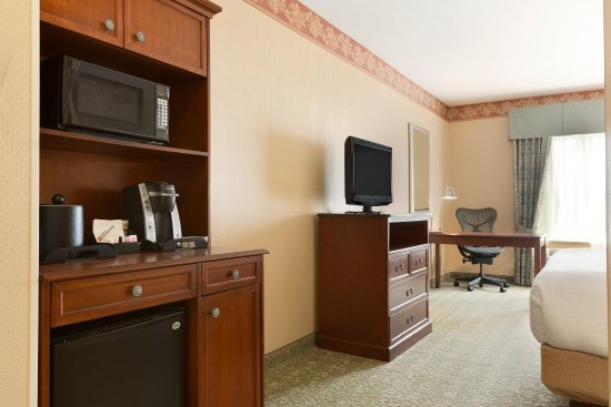 Fairfax, VA: King Guest Bedroom