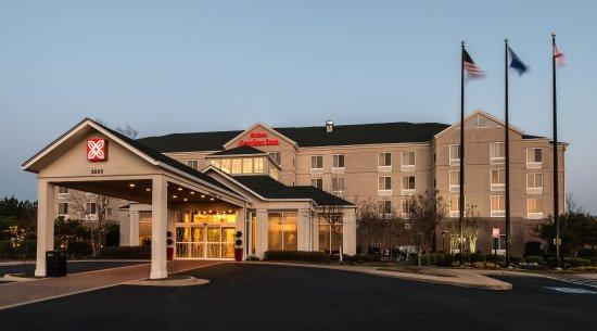 Auburn, AL: Daytime Hotel Exterior