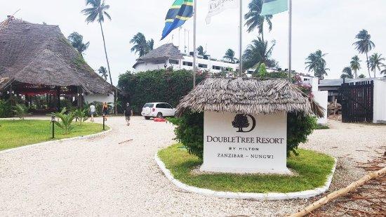 DoubleTree by Hilton Resort Zanzibar - Nungwi: כניסה למלון