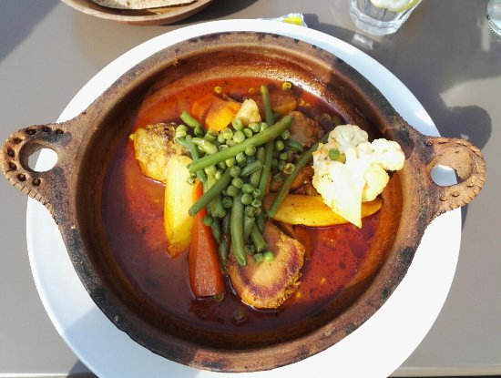 RONDA : Tajine with chicken and vegetables