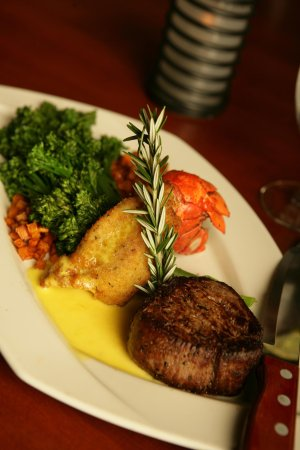 Anderson, SC: Steak and Fried Lobster Entre
