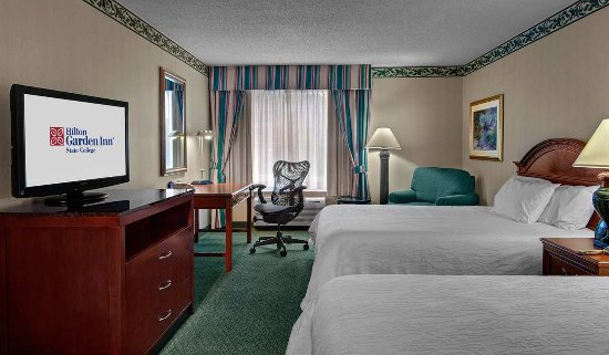 State College, PA: Double Queen Room