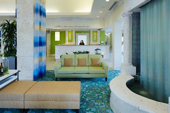 Hilton Garden Inn Orlando International Drive North: Lobby and Front Desk