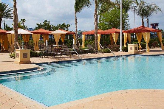 Hilton Garden Inn Orlando International Drive North: Relaxing Pool Area