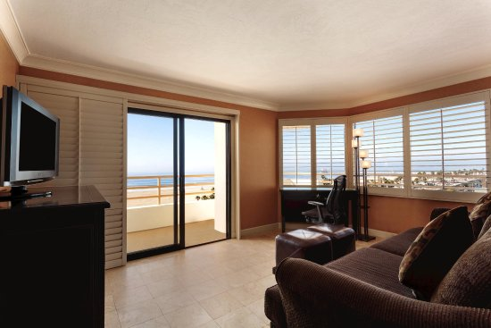 The Waterfront Beach Resort, A Hilton Hotel: One-Bedroom Suite