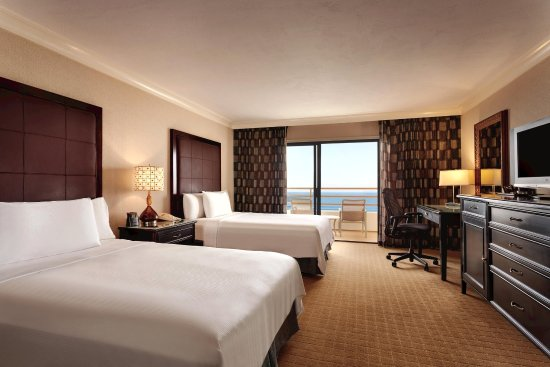 The Waterfront Beach Resort, A Hilton Hotel: Oceanfront Double
