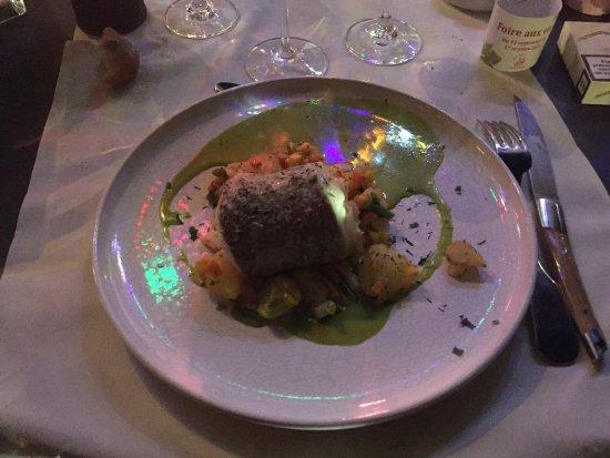 Issy-les-Moulineaux, França: Une super soirée ! Quel bonheur de diner dehors un 21 septembre dans un cadre bucolique et dépay