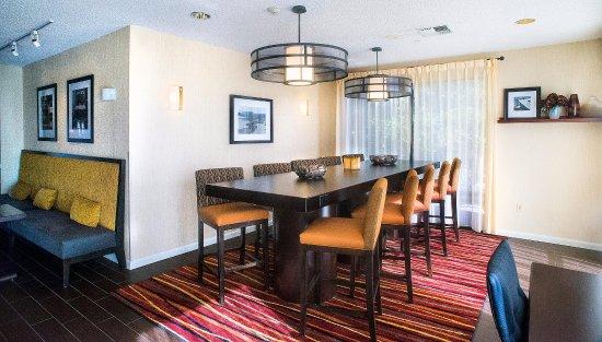Marble Falls, TX: Hotel Lobby