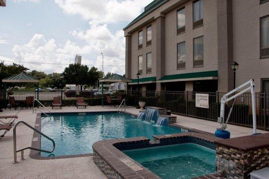 Hampton Inn Marshall Hotel Pool