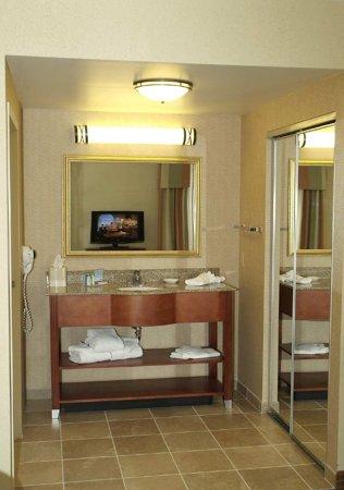 Blairsville, PA: Suite Vanity