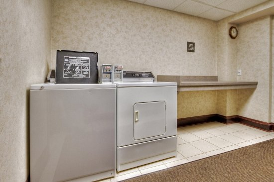 Hampton Inn of Marion, NC: Guest Laundry