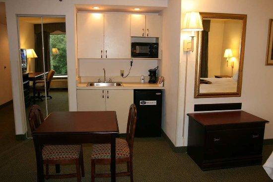 Mechanicsville, VA: King Room with Whirlpool