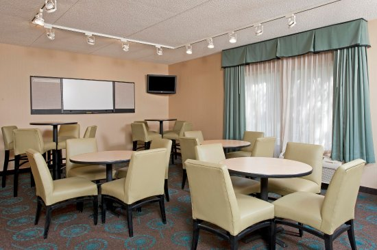 Hampton Inn Bloomington: Meeting Space