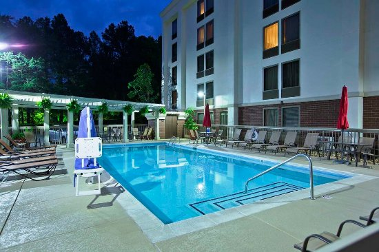 Hampton Inn Atlanta - Northlake: Pool at Night