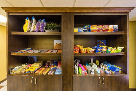 Hampton Inn Chicago/Westchester (Oak Brook) : Snack Shop