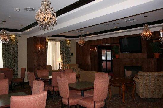 Hampton Inn Brattleboro : Lobby Seating