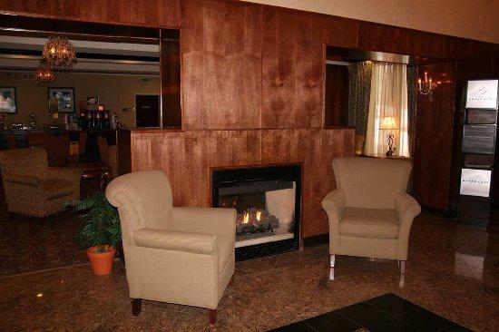 Fireplace Brattleboro  Hampton Inn Brattleboro: Lobby Fireplace