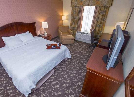 Brattleboro, VT: King Bedroom