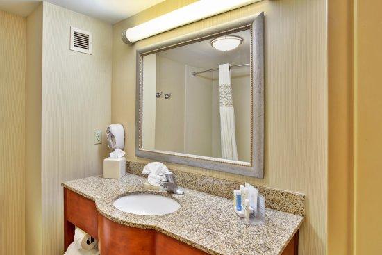 Rutland, VT: Guest Bathroom
