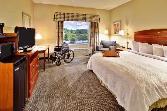 Rutland, VT: Accessible King Bedroom