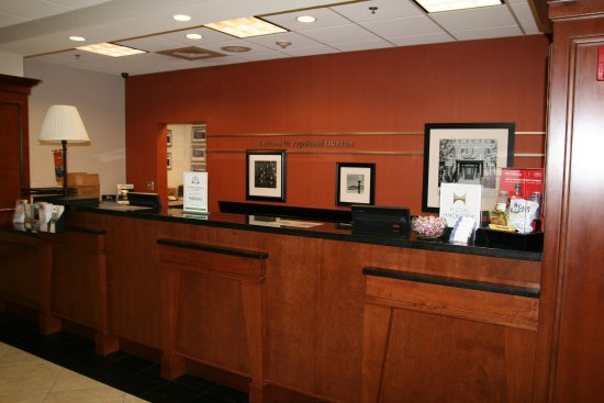 Raynham, MA: Front Desk