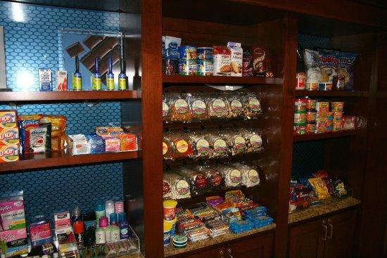 Raynham, MA: Suite Shop