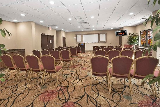 Christiansburg, VA: Meeting Room with Chairs