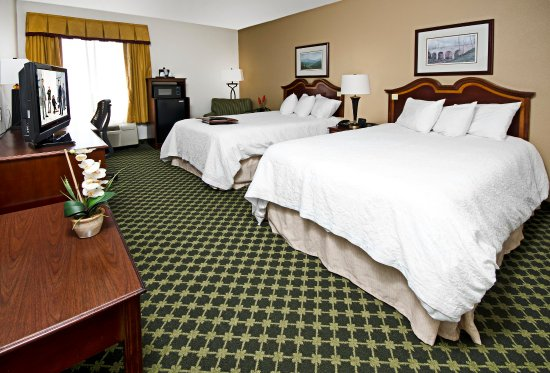 Christiansburg, VA: Guest Room with Two Double Beds