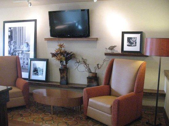 Butte, MT: Lobby Lounge Area