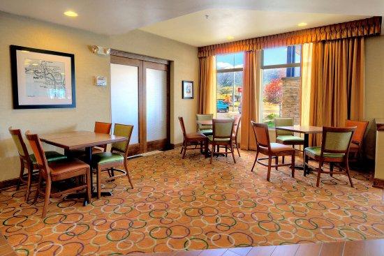 Butte, MT: Breakfast Dining Area