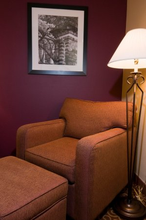 Butte, MT: Chair and Ottoman