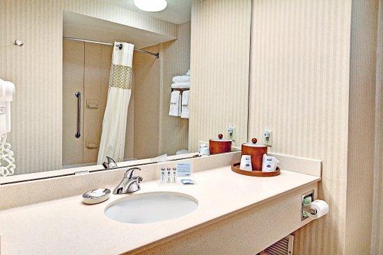 Butte, MT: Standard Guest Bath