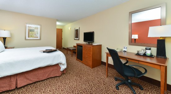 Carol Stream, IL: Room/TV