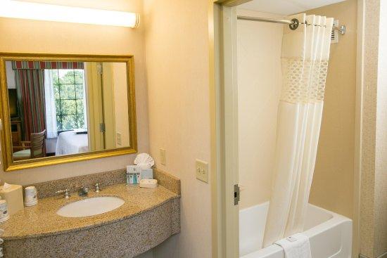Hadley, MA: Suite Bathroom