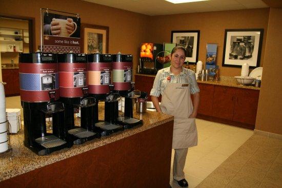 เรดบลัฟฟ์, แคลิฟอร์เนีย: Breakfast Serving Area
