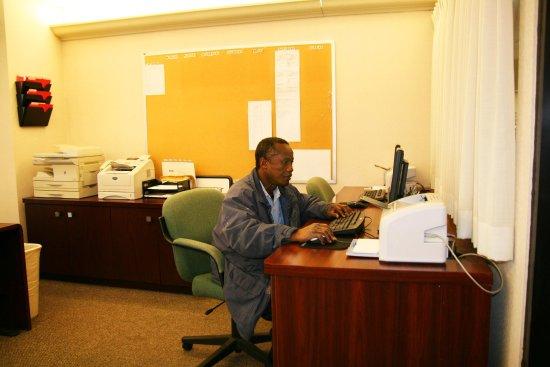 Fairfield, NJ: Business Center