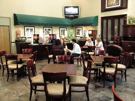 Fairfield, NJ: Breakfast Dining Area