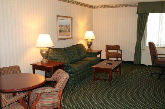 Littleton, New Hampshire: Luxury Whirlpool Suite