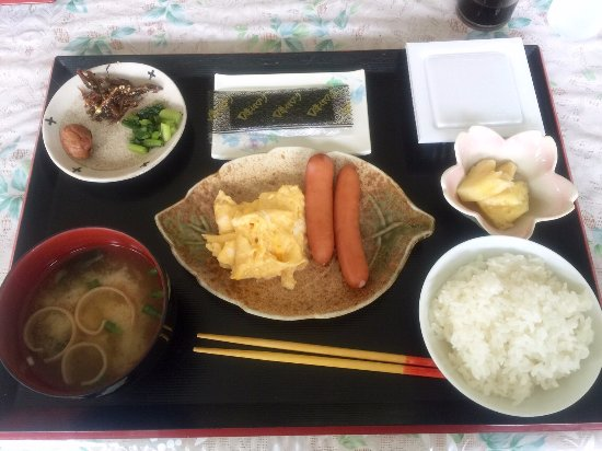 Tokashiki-son, Giappone: 朝食は和食です。みそ汁は美味しかった