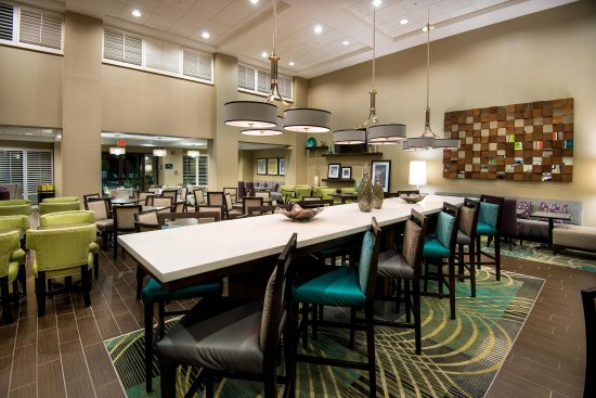 Hampton Inn & Suites Fort Myers Beach / Sanibel Gateway: The Perfect Mix Lobby