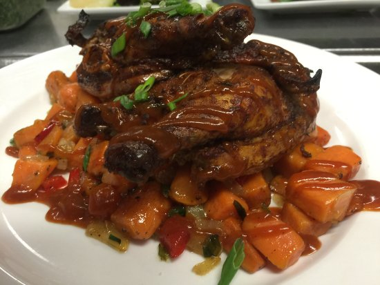 Elma, Нью-Йорк: Chicken BBQ with Sweet Potatoes