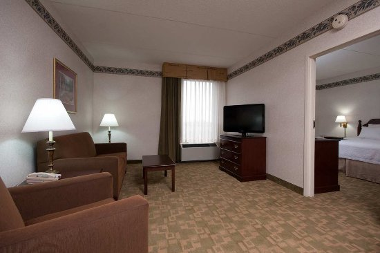 West Seneca, NY: Suite Living Area