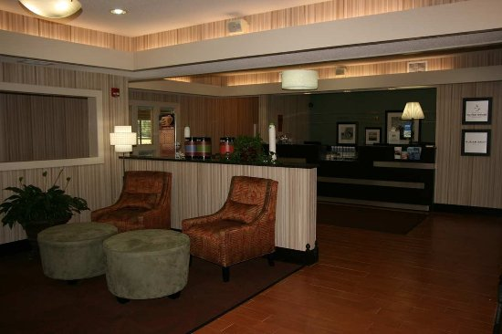 Hampton Inn Bloomington West: Perfect Mix Lobby