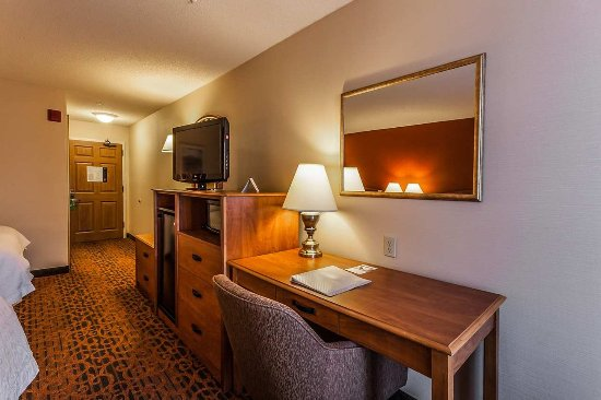 Castle Rock, CO: Double Queen Room
