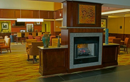 Hampton Inn & Suites Norfolk-Airport: Norfolk Airport Hotel Lobby