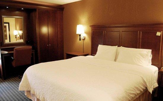 เบตสวิลล์, อินเดียน่า: King Bed