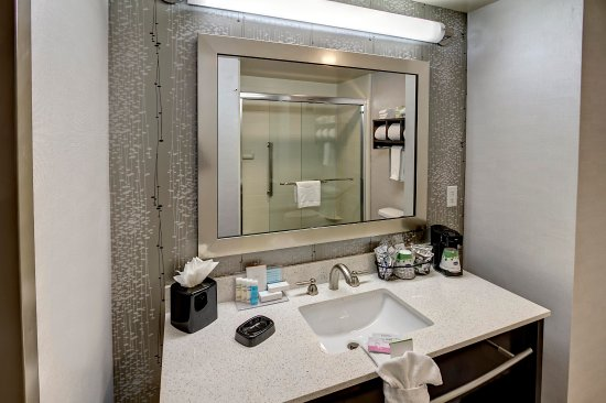 Cookeville, TN: Guest Bathroom