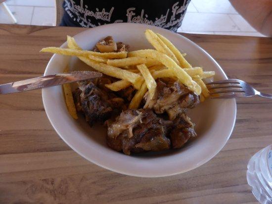 Fata Morgana - Paradisos, Tavern & Cafe: agnello e patate