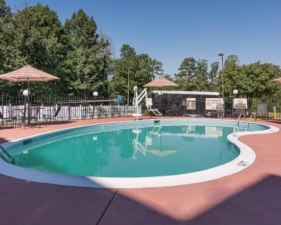 Hampton Inn Chester : Outdoor pool