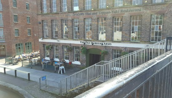 The Old Harkers Arms Pub on the canal.